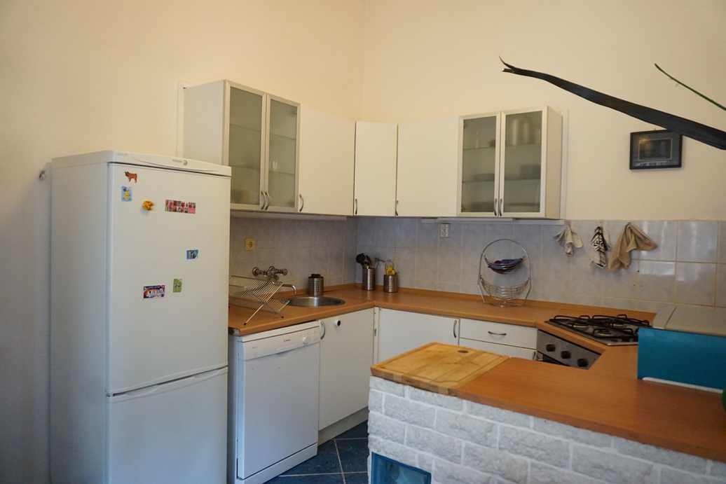 Garay street apartment for sale