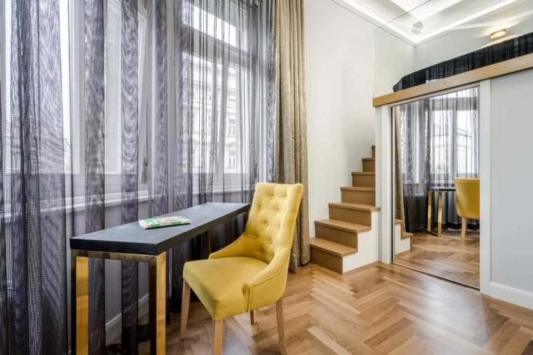 Alkotmany street apartment for sale