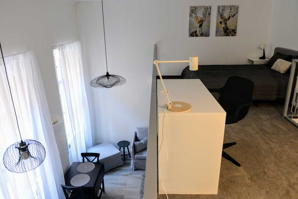 Dozsa Gyorgy street, studio for rent