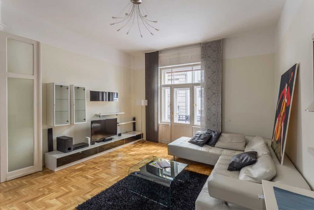 Falk Miksa street // apartment for rent Budap