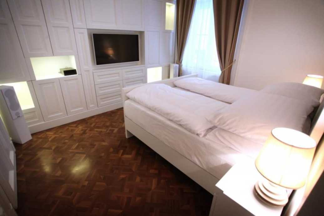 /storage/pms/property/lg/553/Bedroom-2..jpg