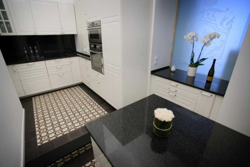/storage/pms/property/lg/553/Kitchen.jpg