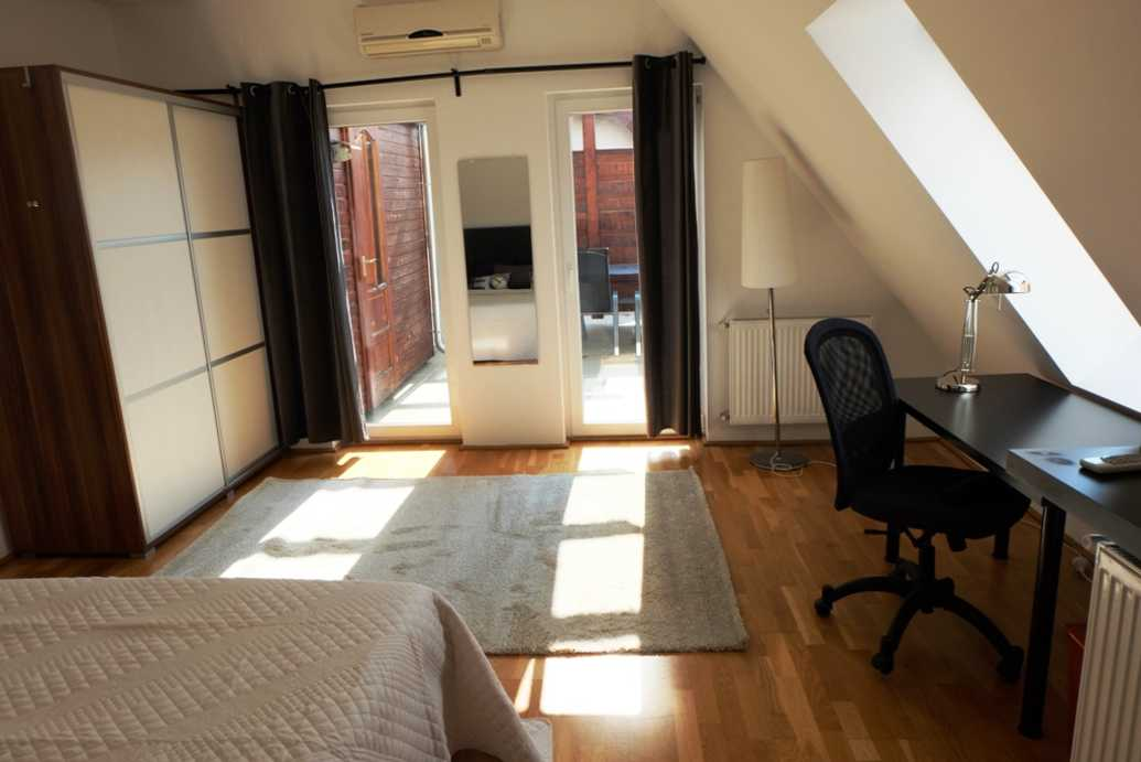 Rozsa street apartment for rent in Budapest