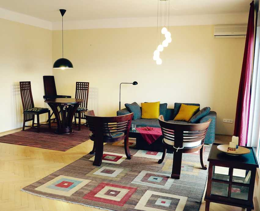 Naphegy street apartment for rent Budapest