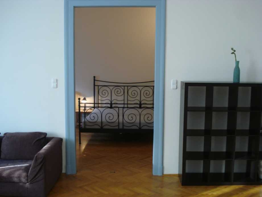 /storage/pms/property/lg/670/Living-room-bedroom.JPG