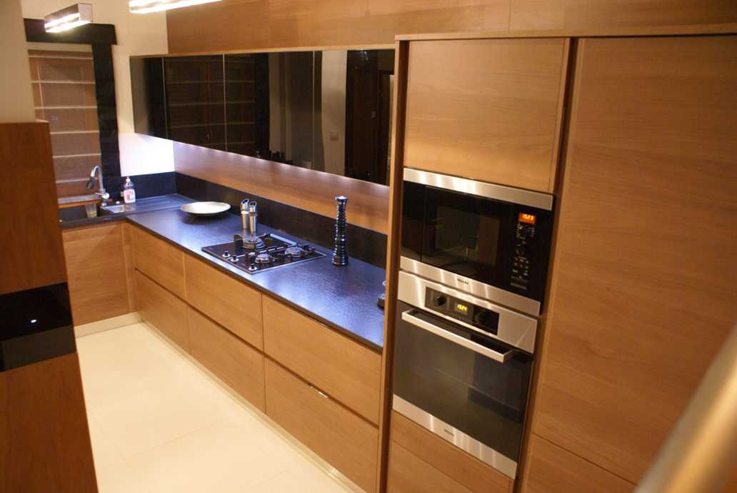 /storage/pms/property/lg/835/Kitchen3.jpg