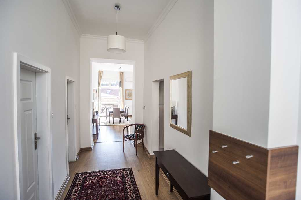 /storage/pms/property/lg/894/suto-street-luxury-flat-two-bedroom-balcony-central-location-Deak-square-panoramic-view-1.jpg