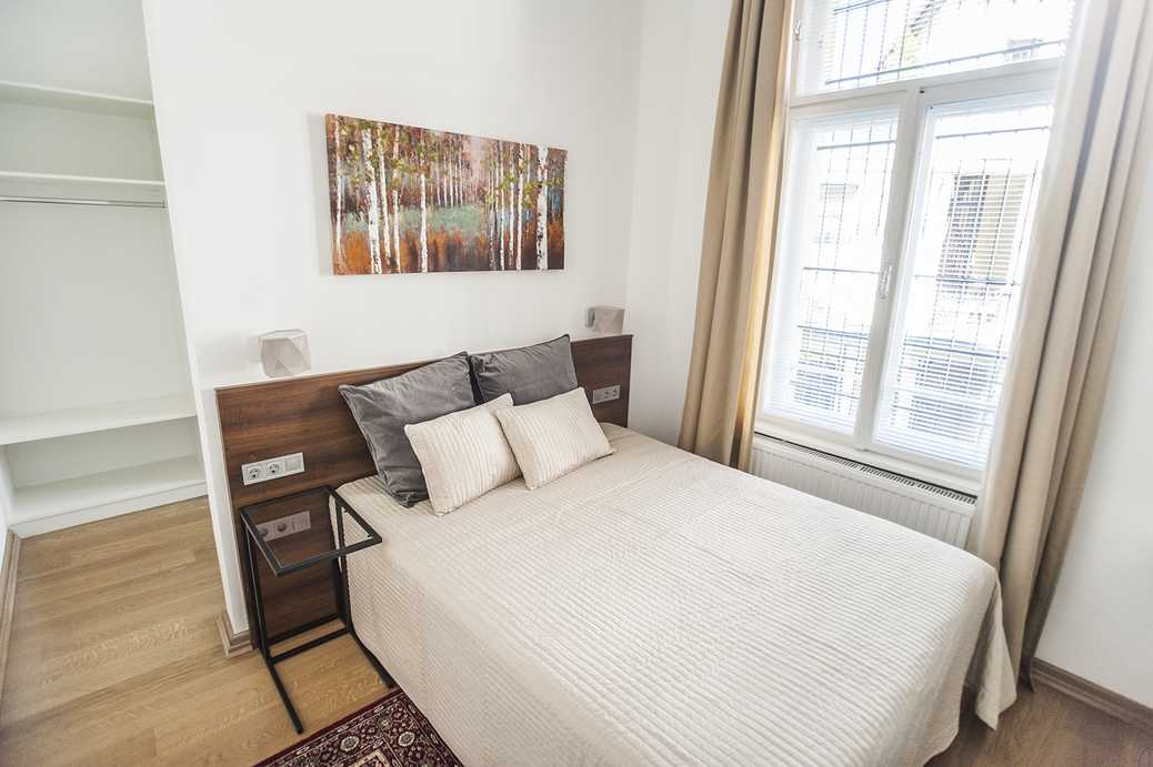 /storage/pms/property/lg/894/suto-street-luxury-flat-two-bedroom-balcony-central-location-Deak-square-panoramic-view-2.jpg