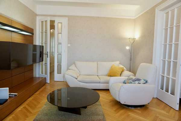 Honved street apartment for rent