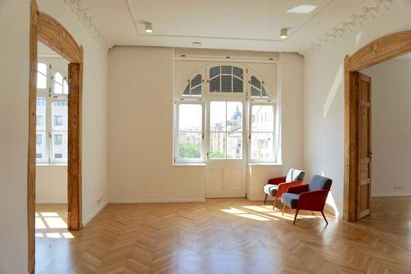 Falk Miksa street // apartment for rent